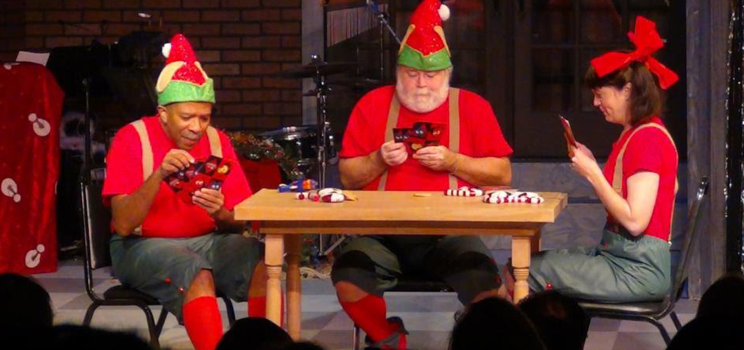 Three-Elves-Playing-Poker_